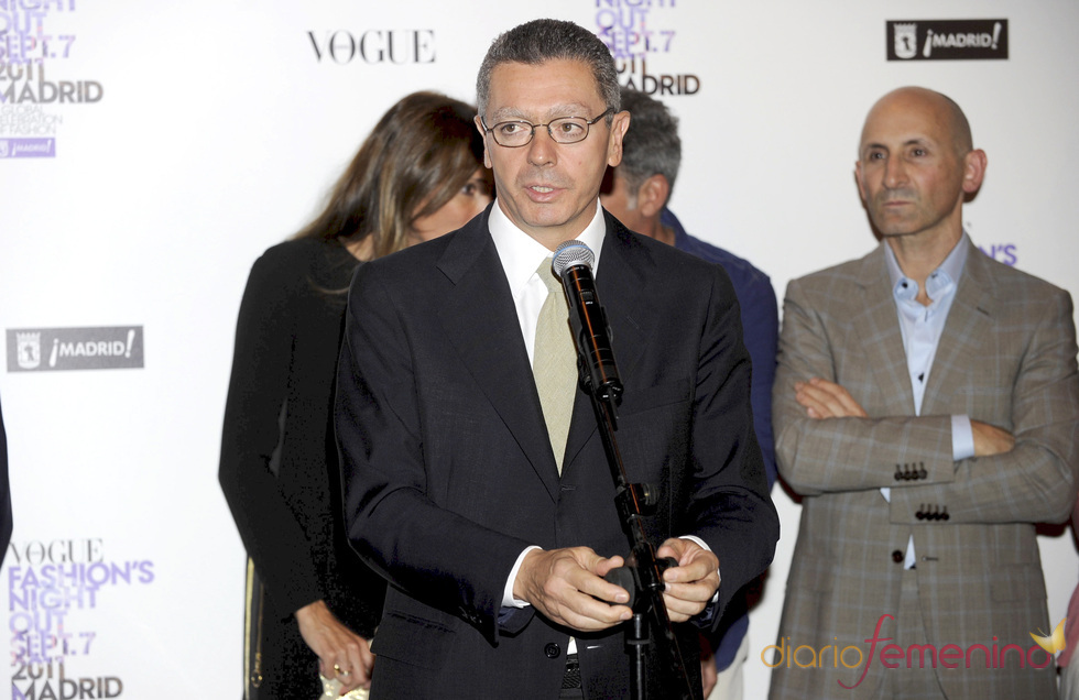 Alberto Ruiz Gallardón durante la Vogue Fashion Night Out Madrid 2011