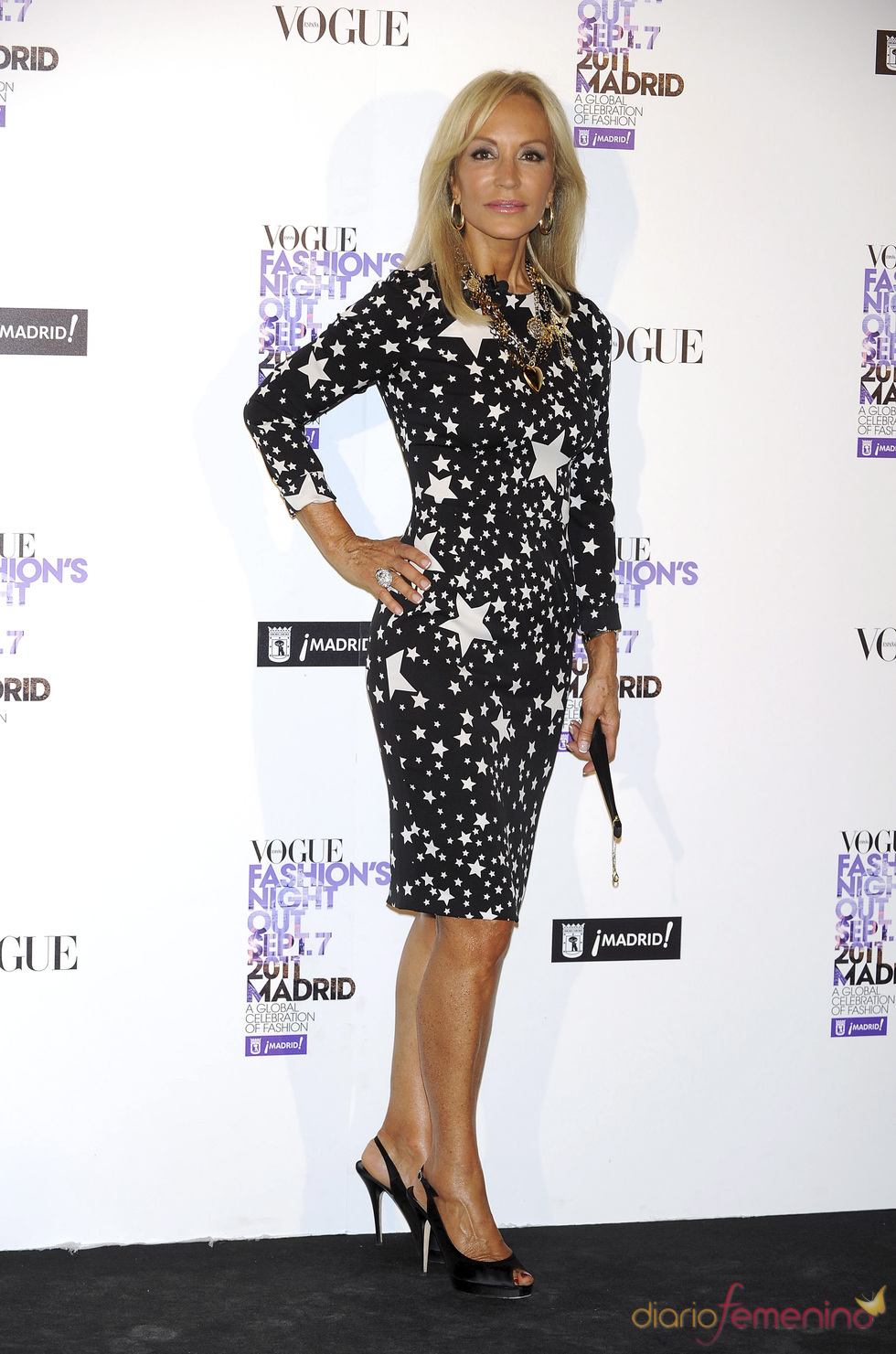 Carmen Lomana durante la Vogue Fashion Night Out Madrid 2011