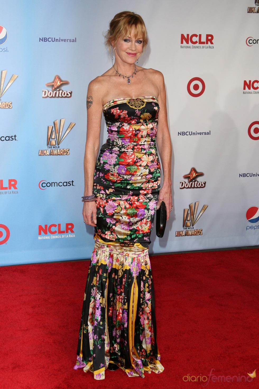 Melanie Griffith desfila por la alfombra roja de los latinos 'premios Alma' 2011