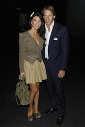 Sonia Ferrer y su marido en la Pasarela Cibeles 2011 en Madrid