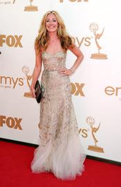 Cat Deeley en la alfombra roja de los Emmy 2011