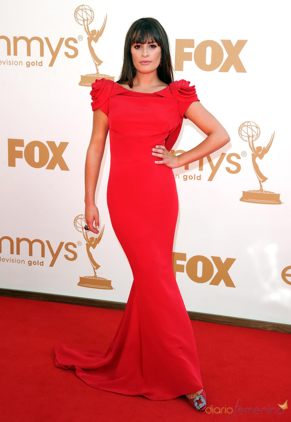 Lea Michele en la alfombra roja de los Emmy 2011