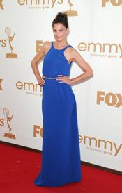 Katie Holmes en la alfombra roja de los Emmy 2011