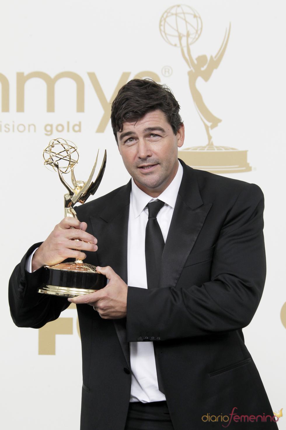 Kyle Chandler en la alfombra roja de los Emmy 2011