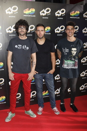 Héctor Polo y Álvaro Benito del grupo 'Pignoise' en la inauguración del '40 Café' en Madrid