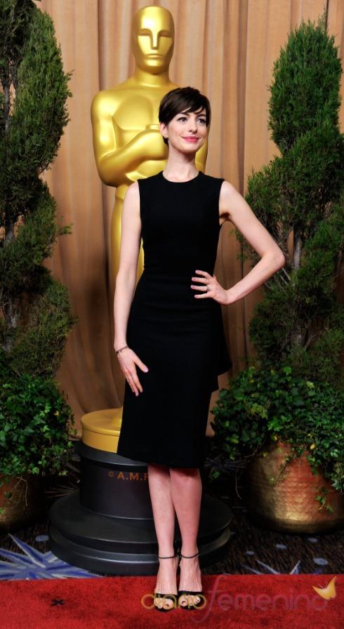 Anne Hathaway, elegante pero sencilla