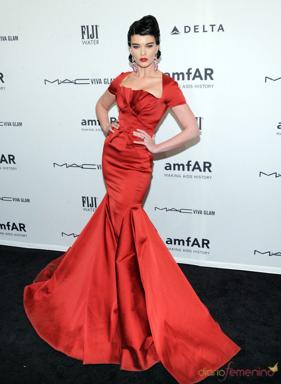 Crystal Renn en la gala de amfAR