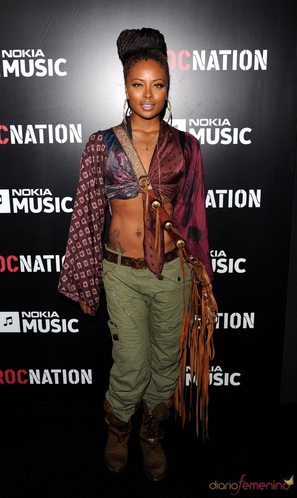 Eva Marcille en la fiesta de RocNation pre Grammy 2013