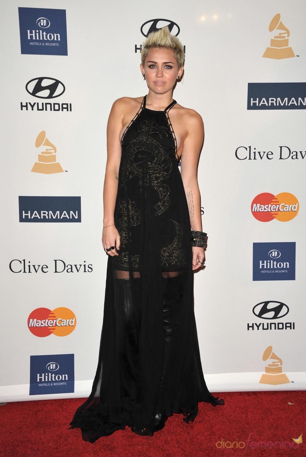 Miley Cyrus en la fiesta pre Grammy 2013 Miley Cyrus Grammys 2013
