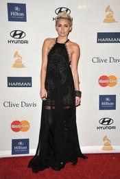 Miley Cyrus en la fiesta pre Grammy 2013