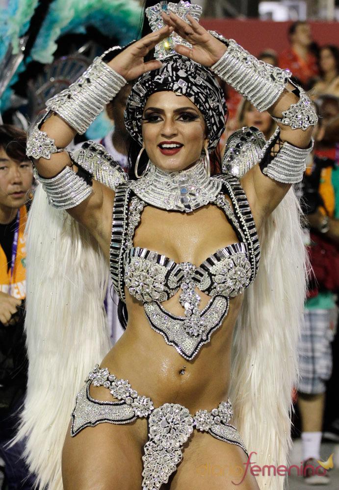 Arte y belleza en el Sambódromo del Carnaval de Río de Janeiro 2013