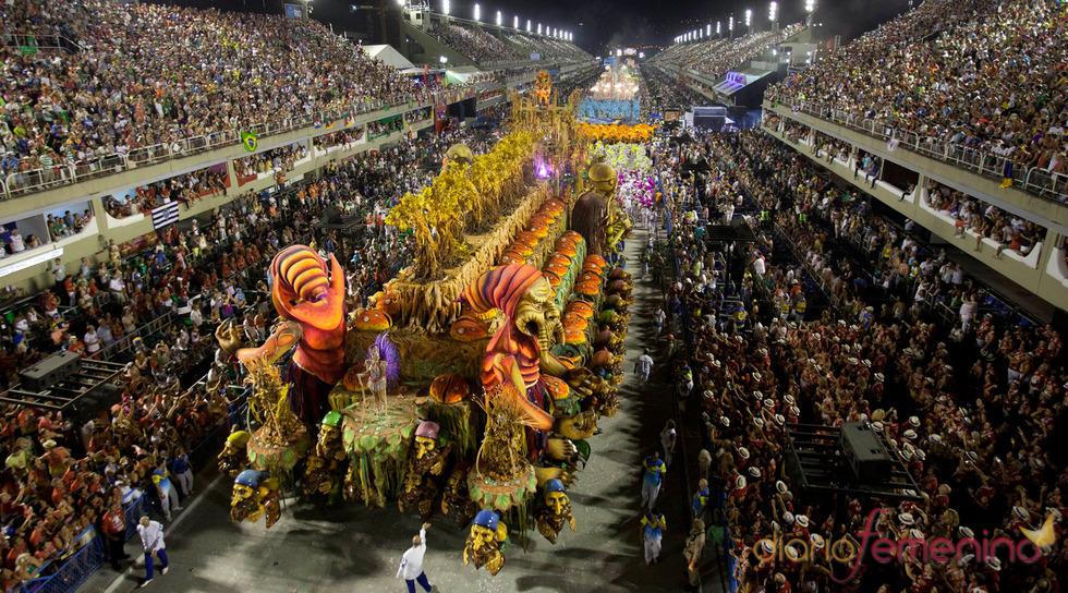 El ambiente vivido en el Sambódromo del Carnaval 2013 de Río de Janeiro, Brasil