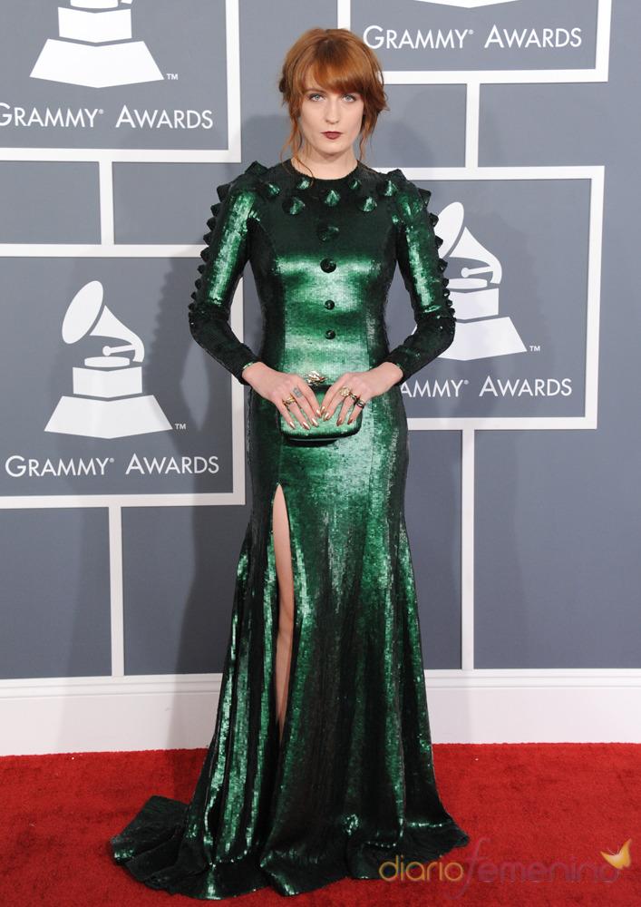 Florence Welch en la alfombra roja de los Grammy 2013