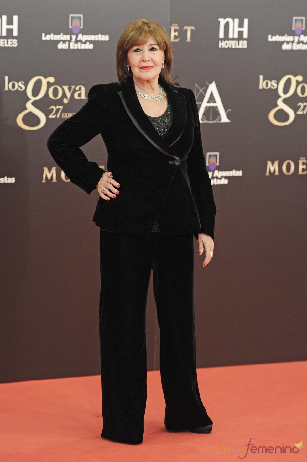 Concha Velasco en la alfombra roja de los Goya 2013