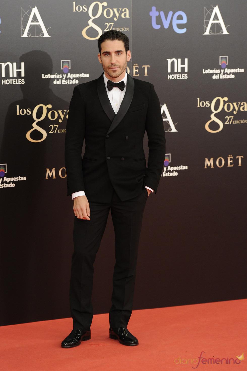 Miguel Ángel Silvestre en la alfombra roja de los Goya 2013