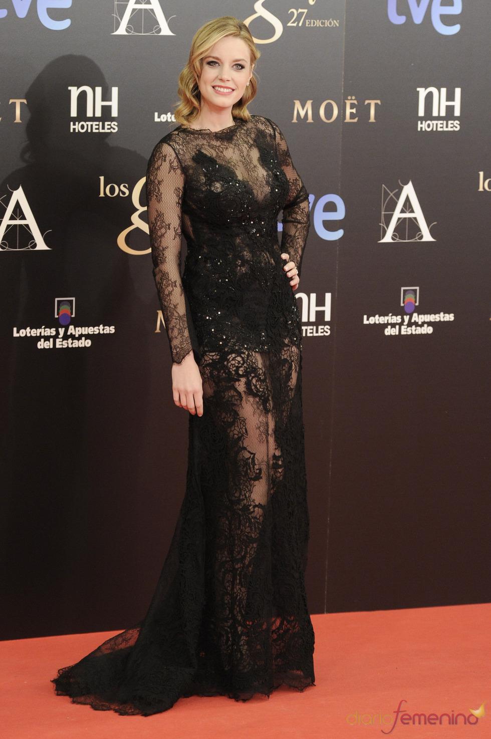 Carolina Bang en la alfombra roja de los Goya 2013