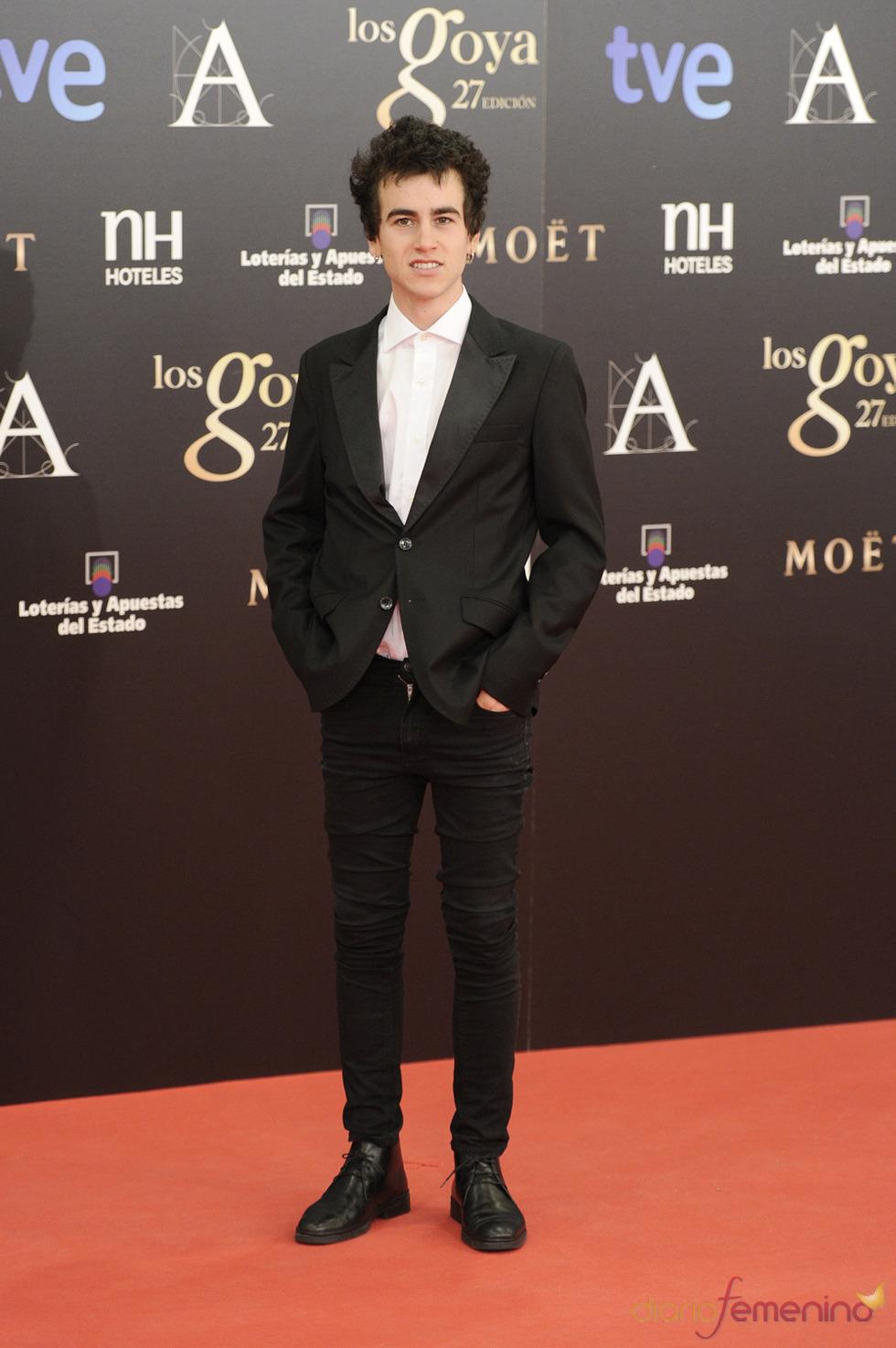 Alex Monner en la alfombra roja de los Goya 2013