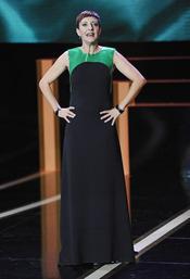 Eva Hache durante la gala de los Goya 2013 con un vestido de Amaya Arzuaga