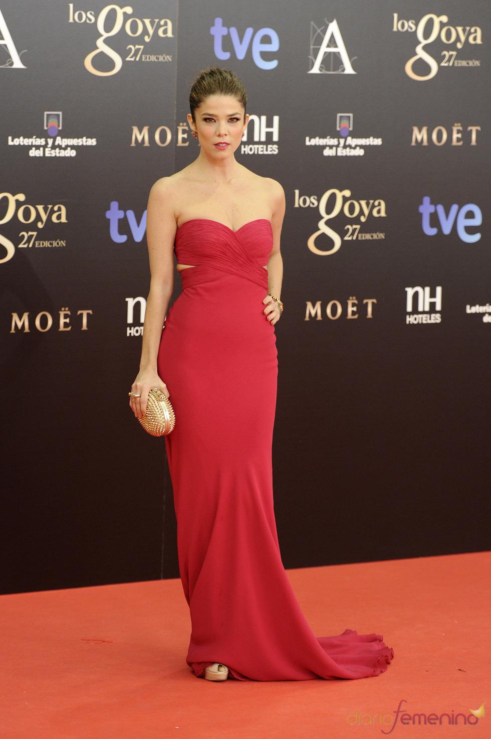 Juana Acosta en la alfombra roja de los Goya 2013