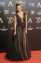 Malena Costa en la alfombra roja de los Goya 2013