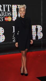 Emeli Sandé en la alfombra roja de los Brit 2013
