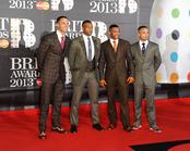 JLS en la alfombra roja de los Brit 2013