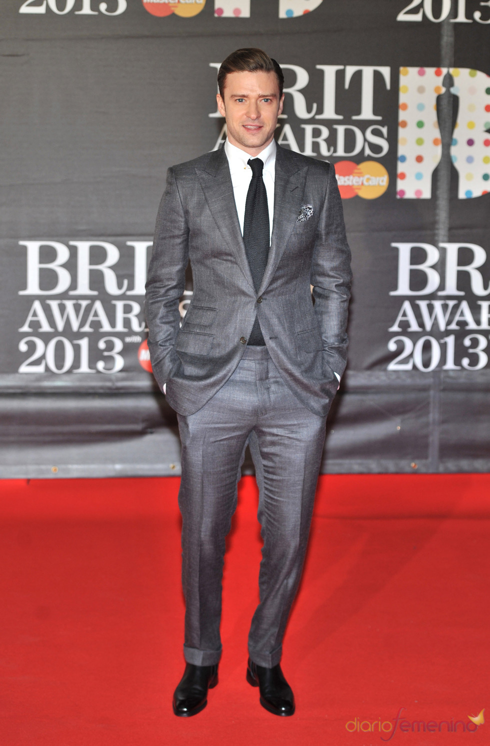 Justin Timberlake en la alfombra roja de los Brit 2013