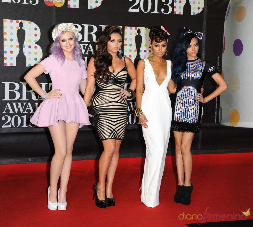 Little Mix en la alfombra roja de los Brit 2013