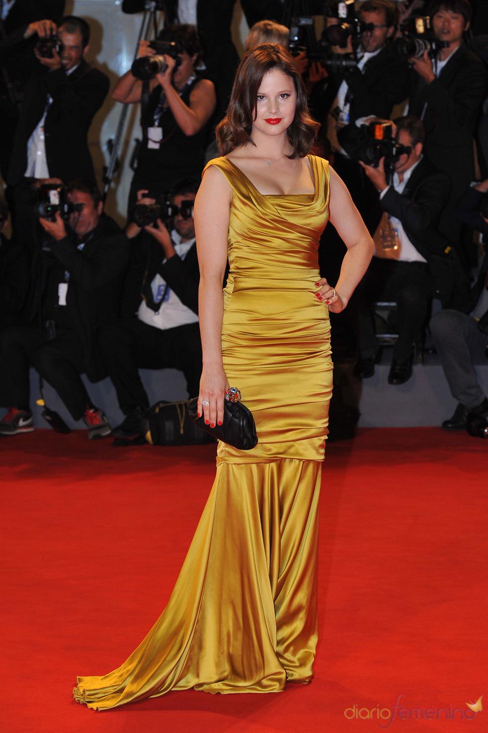 Rachel Korine, protagonista de Spring Breakers posa en la alfombra roja del festival de Venecia