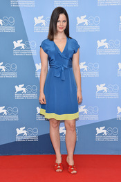 Rachel Korine, protagonista de Spring Breakers posa durante la presentación en Venecia