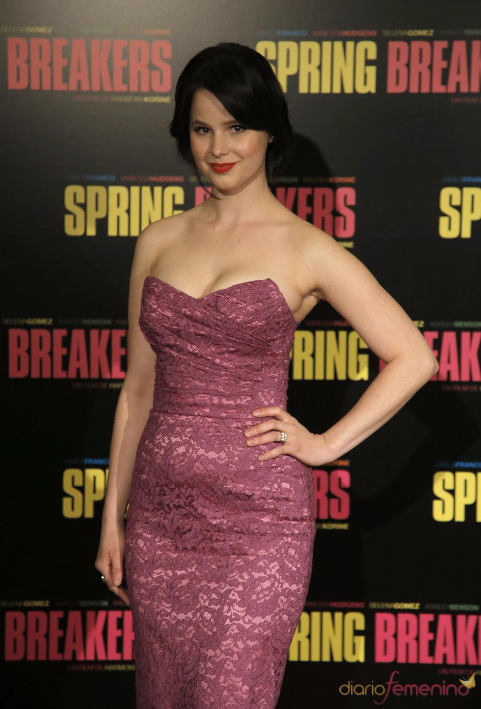 Rachel Korine, protagonista de Spring Breakers posa durante la presentación en París