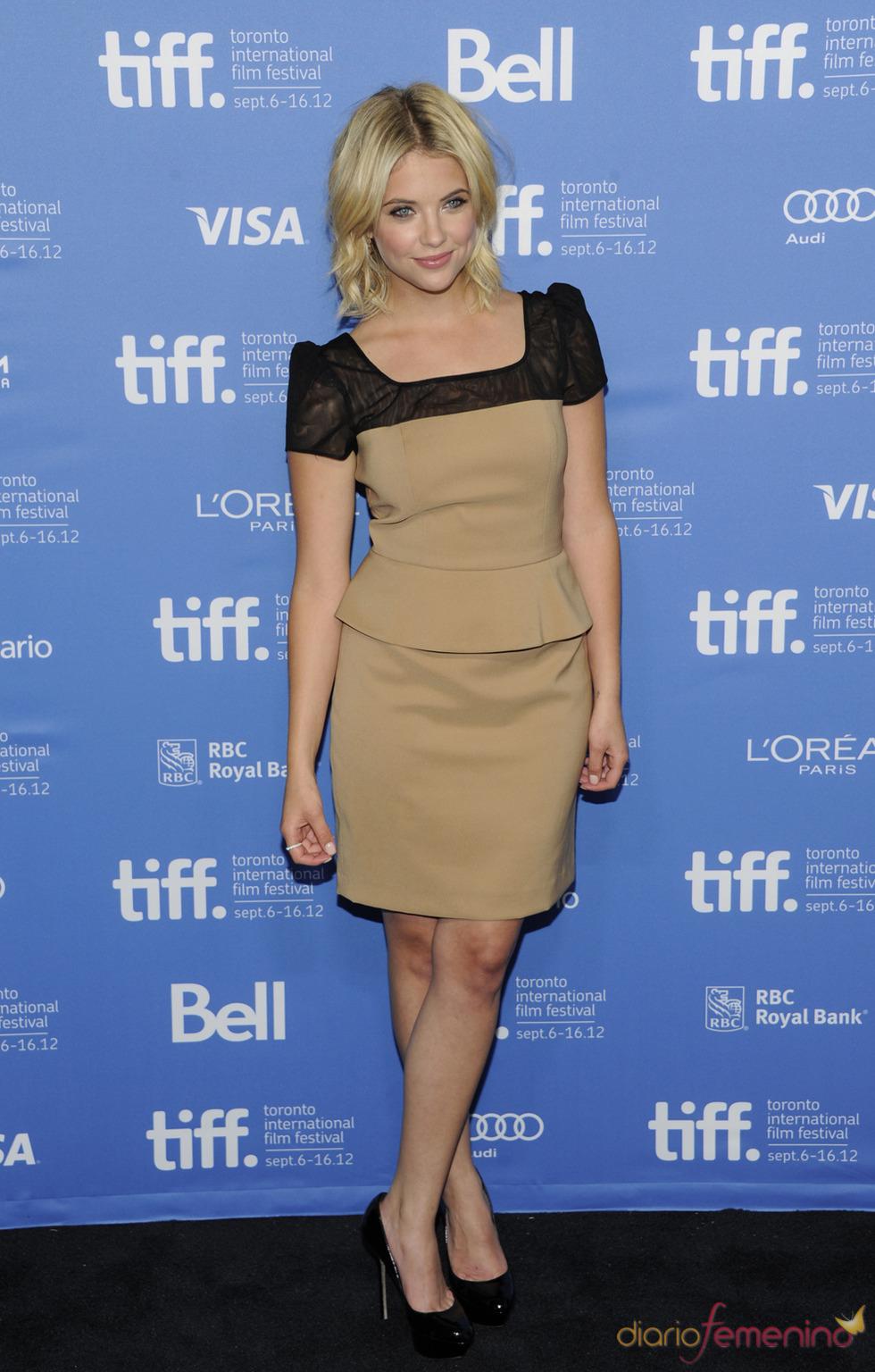 Ashley Benson, protagonista de Spring Breakers posa durante la presentación en Toronto