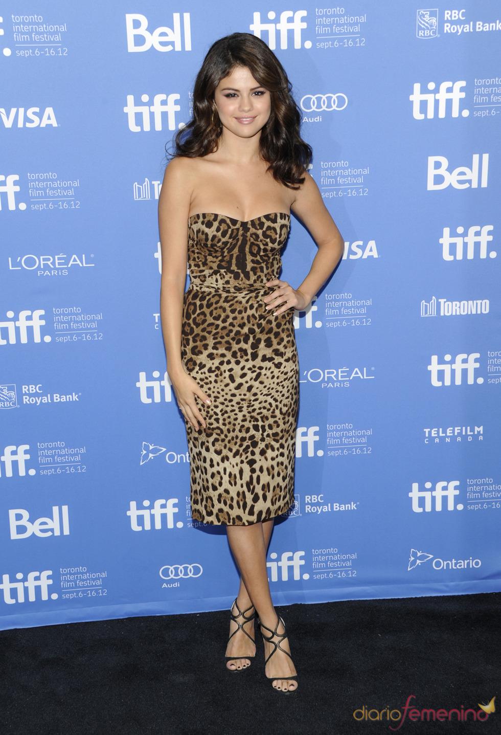 Selena Gomez, protagonista de Spring Breakers posa durante la presentación en Toronto