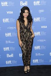 Vanessa Hudgens, protagonista de Spring Breakers posa durante la presentación en Toronto