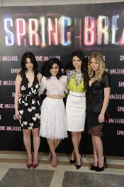 Las protagonistas de Spring Breakers posan durante la presentación en Madrid