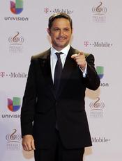 Alejandro Sanz en la alfombra roja de Lo Nuestro 2013