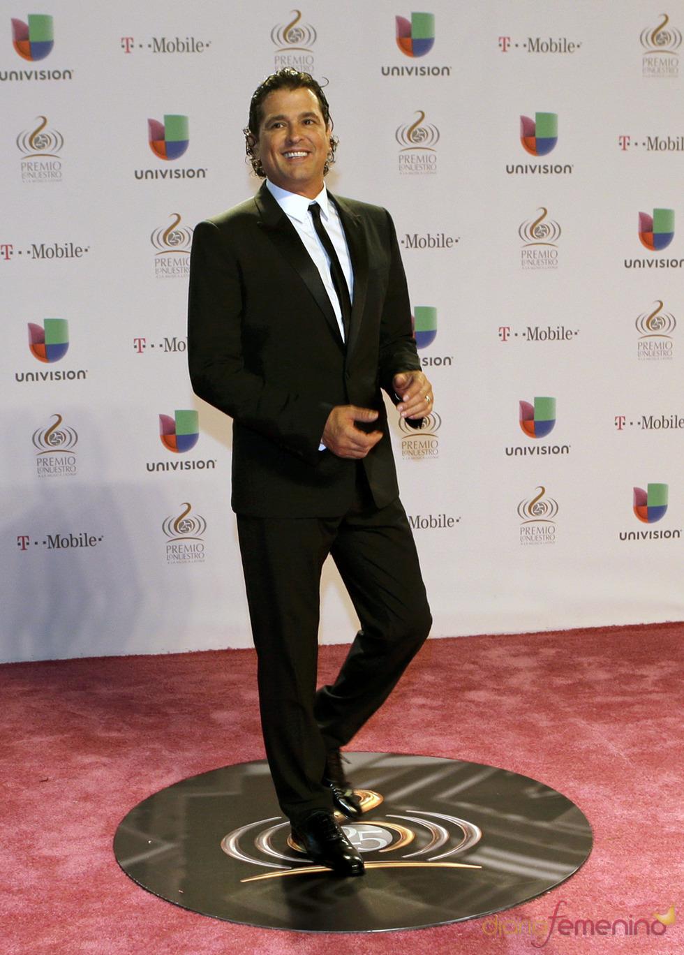 Carlos Vives en la alfombra roja de Lo Nuestro 2013