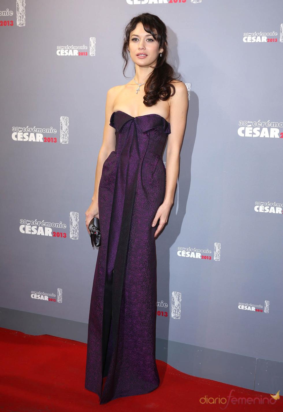 Olga Kurylenko en la alfombra roja de los César 2013