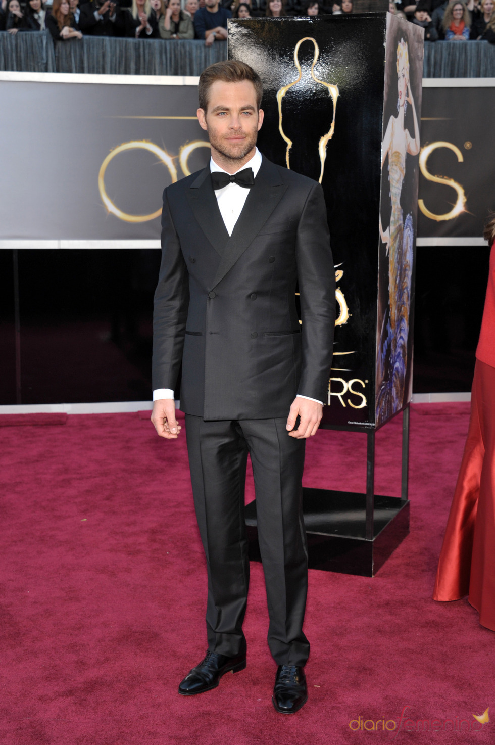 El elegante traje de Chris Pine en la alfombra roja de los Oscars 2013
