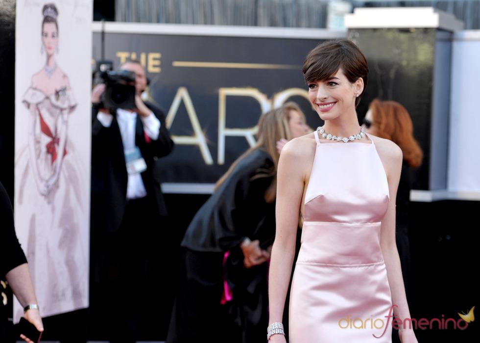 Oscar 2013 para la elegancia de Anne Hathaway