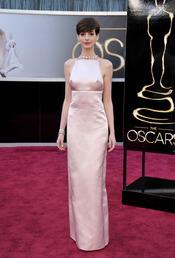 El glamour de Prada para Anne Hathaway en los Oscars 2013