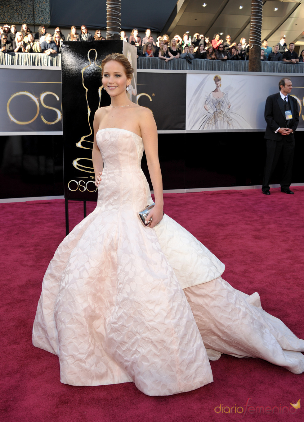 Jennifer Lawrence en la alfombra roja de los Oscars 2013