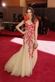 Louise Roe en la alfombra roja de los Oscars 2013