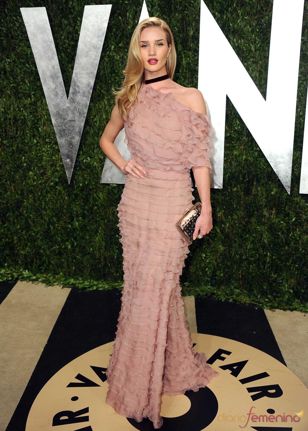 Rosie Huntington Whiteley en la fiesta de Vanity celebrada tras los Oscar 2013