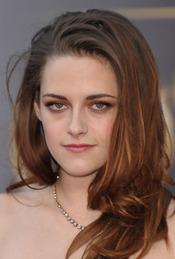 Kristen Stewart, en la alfombra roja de los Oscar 2013