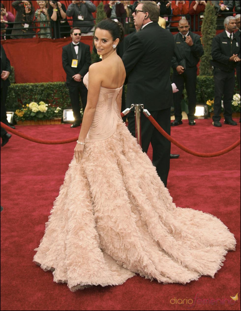 Penélope Cruz en la alfombra roja de los Oscar 2007