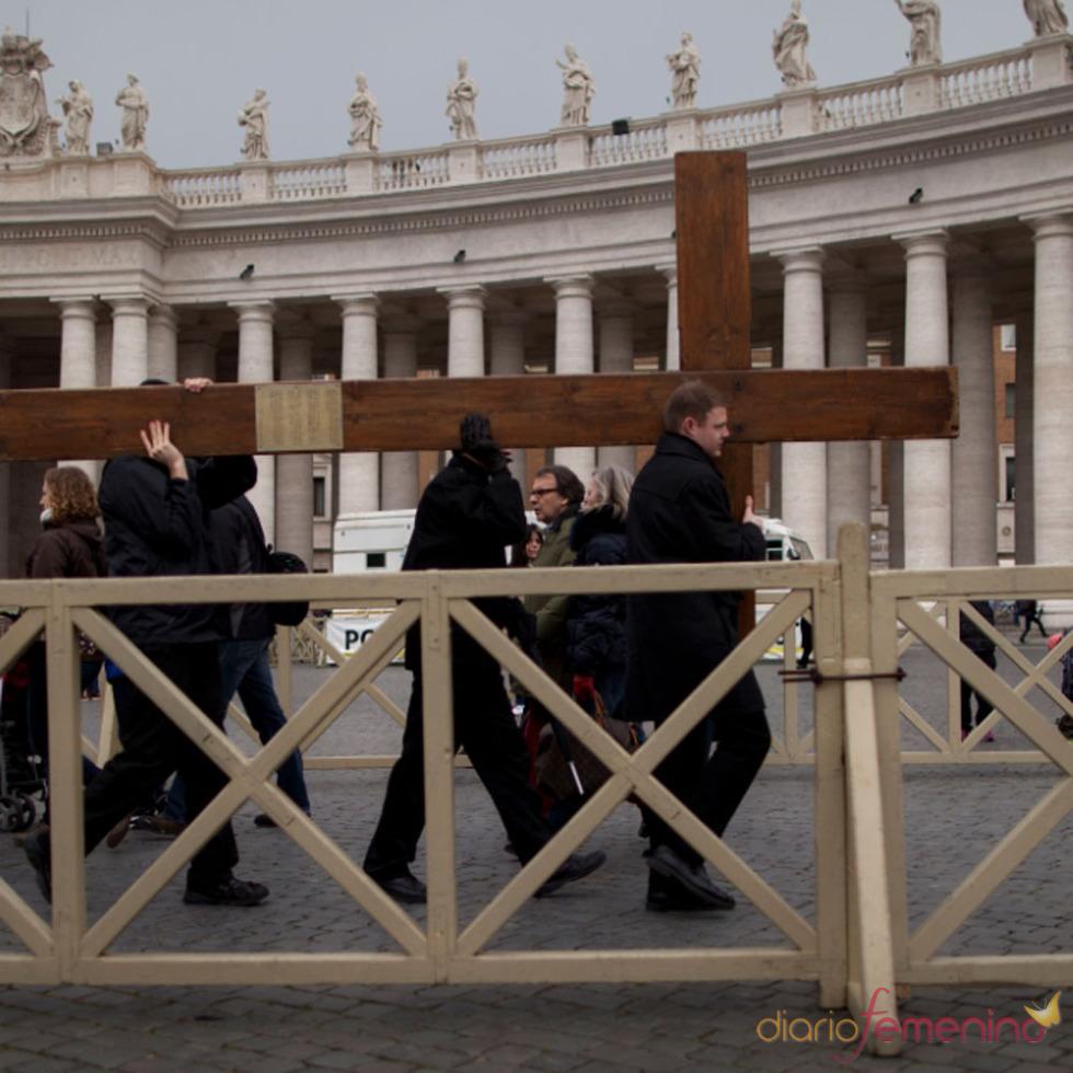 La despedida del Papa Benedicto XVI: Roma se viste de gala