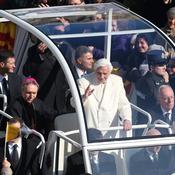 La despedida del Papa Benedicto XVI: su llegada en el Papamóvil
