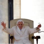 La despedida del Papa Benedicto XVI: 'No abandono la Cruz'