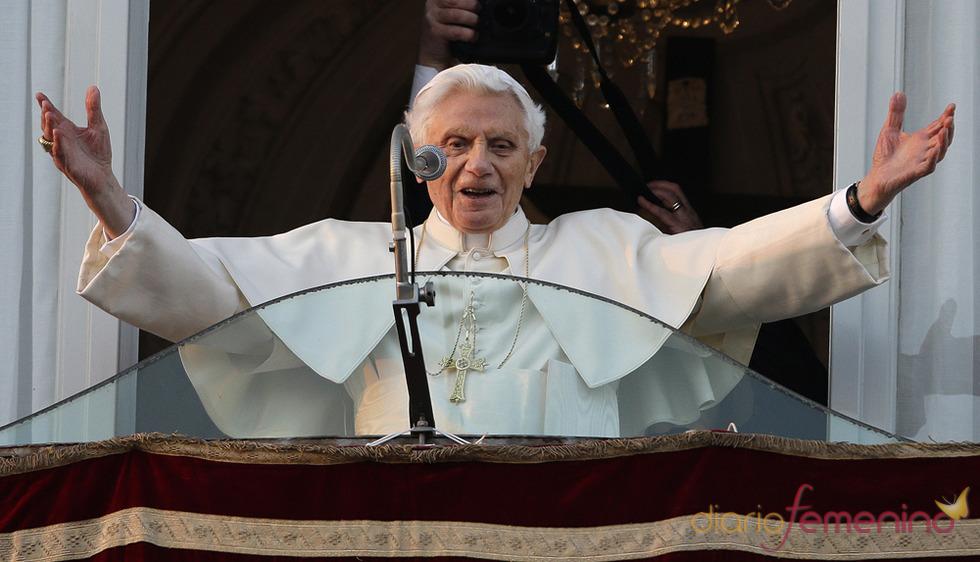 Benedicto XVI, despedida desde el balcón de Castel Gandolfo